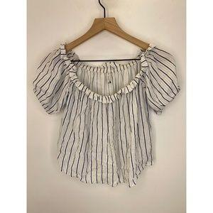 Bershka Women's Short Sleeve Crop Tops Size Medium
